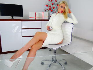 Picture of the sexy profile of LouisaCream, for a very hot webcam live show !